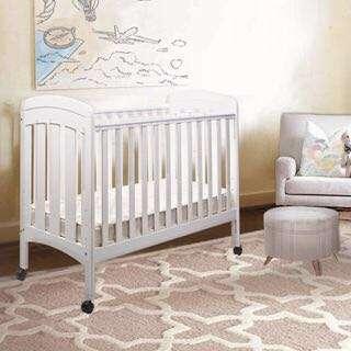0/3 BABY CLARA 嬰兒床+ 床褥