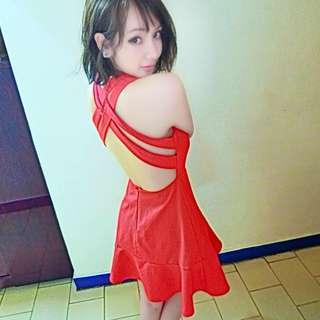 🚚 紅衣女孩