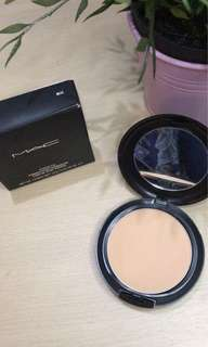 Mac studio fix powder plus foundation shade nc40 kondisi 99% like new karn aku cuma nyoba aja