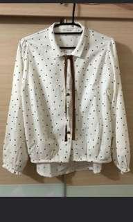 🚚 雪紡點點襯衫