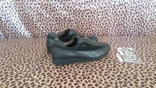 Saint Dupont Black Suede Sneaker Second Shoes Sepatu Fashion Import