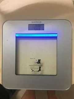 Electronic weight balance