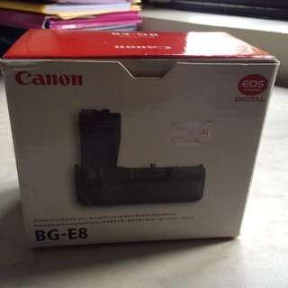 CANON BATTERY GRIP BG-E8 & BATTERY PACK LP-E8 WITH BOX