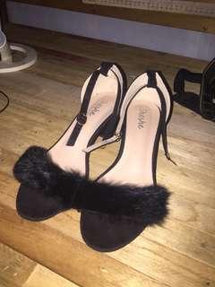 Faux Fur Black Heeled Shoes
