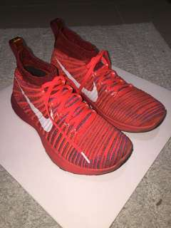 Authentic Nike Free Train Force US 8