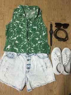 Green leaves sleeveless top