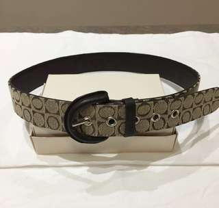 Oroton Ladies Belt Size S Rare Signature Essentials