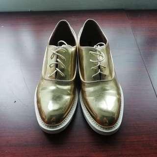 含運~ZARA 金色皮鞋 41號