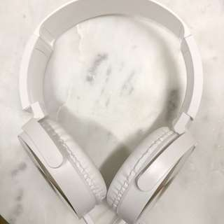 STYLISH WHITE HEADPHONES with silver detailing