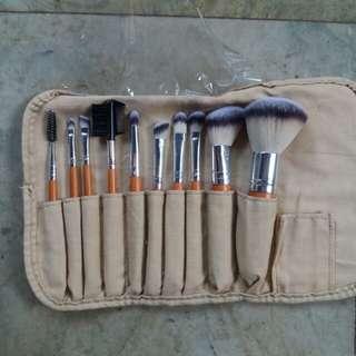 Mineral botanica makeup brush set