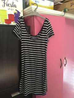 Stretchable mini dress (stripes)