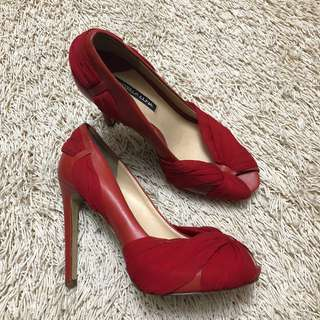Authentic STELLA LUNA Red Peep-toe Pumps