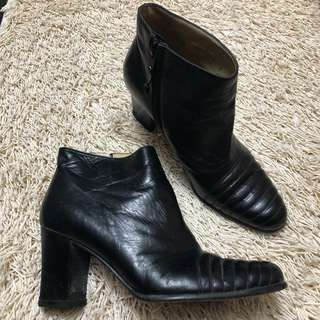 Authentic SALVATORE FERRAGAMO Black Leather Boots