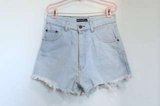 HW Denim Shorts (Light Blue)