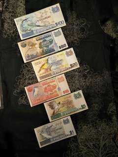 6pcs of sg old notes  offer $228