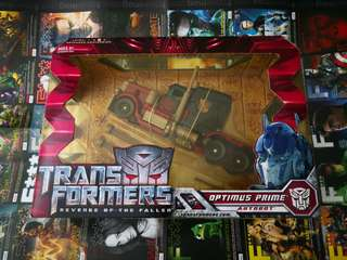 Transformers ravenge of the fallen optimus prime voyager class (sealed)