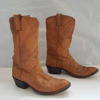 Vintage Boots, Retro Old Fashion, Classic Cowboy Shoes, Rare Justin Designer Western Boots, Original, Made in USA, High Cut, Ostrich Skin, Leather Boot, Genuine, Street Style, Rugged Wear, Handcrafted, Collectibles, Iconic, Stylish, Luxury, Unorthodox