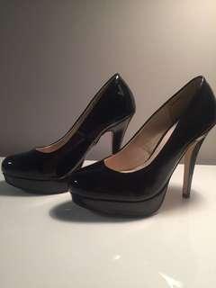 Black heels (size 6)