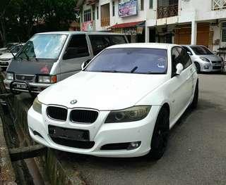 BMW 323i (E90)