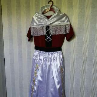 Gown / custome
