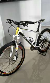 26 inch full carbon hardtail