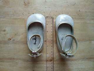 Baby shoes (12 cm)