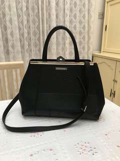 Pre Loved handbag from Australia (used once)