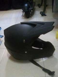 E-scooter helmets