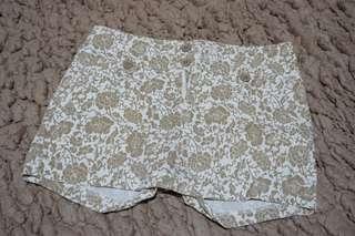 choco white short pants