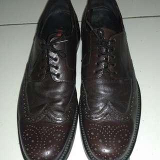 Sepatu kulit LLYOD Original