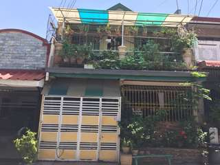 House & Lot For Sale at Marcelo Village Parañaque