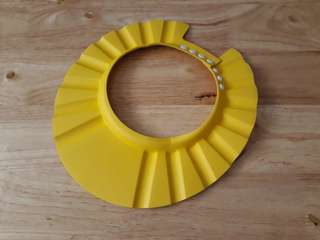 Baby bath visor ( yellow)