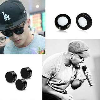 Instock Unisex Non-piercing Black Magnetic Earrings / Ear Stud
