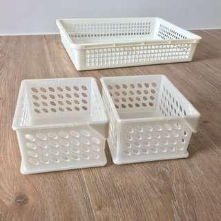 🚚 珍珠白收納置物籃 兩入組 只剩小的一組