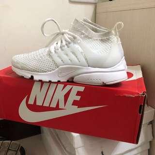 🚚 Nike air presto flyknit ultra魚骨全白高筒