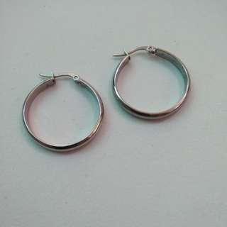 Trendy Hoop earrings