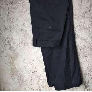 Celana chino hitam not converse