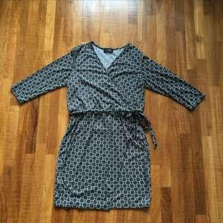 Dainty stretchable dress