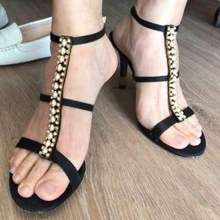 🚚 DAPHNE達芙妮女仕 細跟珍珠金飾繫帶鞋 24號 近全新