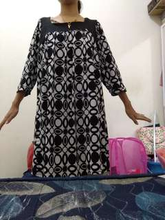 Dress wanita selutut