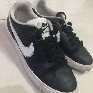 Nike Court Tour black