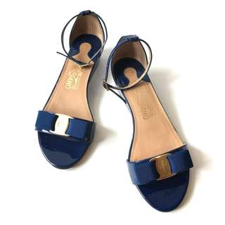 Preloved Authentic SF Flat Blue Sapphire Vernis GHW 7M