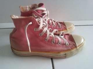 Sepatu All Star Merah