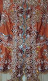Kebaya orange bata