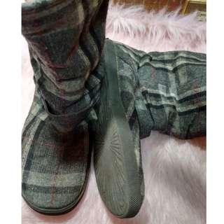 Mogao Plaid Gray Ugg Boots