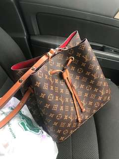 LV Bag Bucket Grade AAA