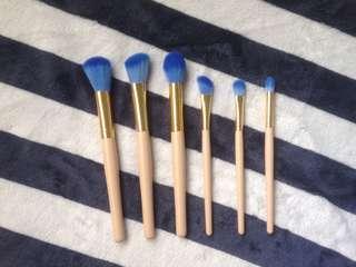 Simple Make Up Brush Set