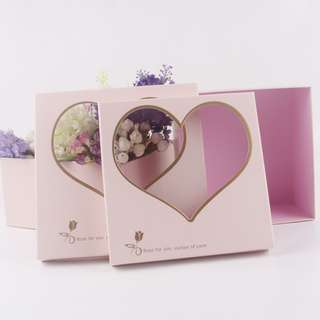Flowers & Gifts Box: Square Box With Transparent Cover Heart Shape