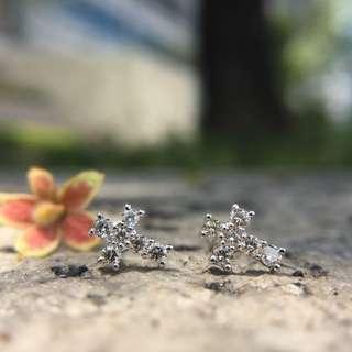 20分十字架鑽石耳環