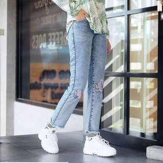 NEW Flow boyfriend jeans